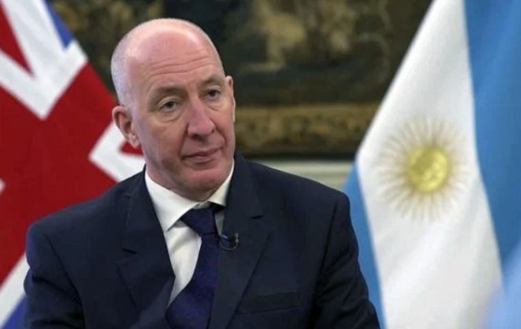 Ambassador Kent involved in talks regarding delivery and production of AstraZeneca vaccine in Argentina