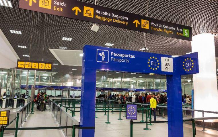 ההגירה שמרה על אוכלוסיית פורטוגל כמעט ללא שינוי במספרים.