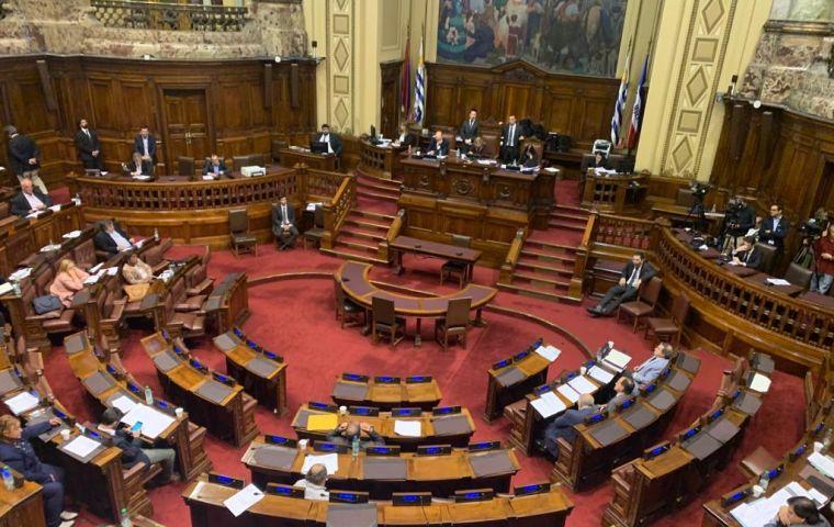 It is too soon to speak of community circulation of Delta variant in Uruguay