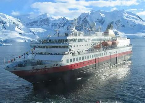 Passengers of stranded cruise taken to ushuaia mercopress for Can you go to antarctica