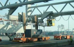 Exports reach close 4 billion US