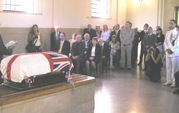 Rev. Kenneth Murray conducts service at the British cemetery chapel in Bs. Aires