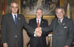 Spain's facilitating efforts have been rewarded so far by handshakes