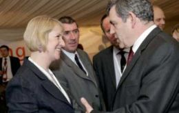 Ms Cameron and Cllrs Hansen and Rendell meet Prime Minister Brown.