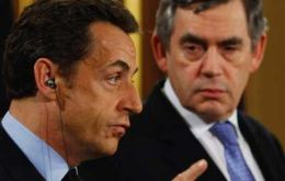 Sarkozy: Tea with the Queen and banks with Brown
