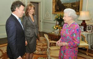 President Santos meets HM the Queen and PM Cameron
