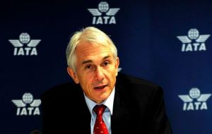 Tony Tyler, IATA Director General and CEO: whenever global growth falls below 2% airline industry profits turn into losses
