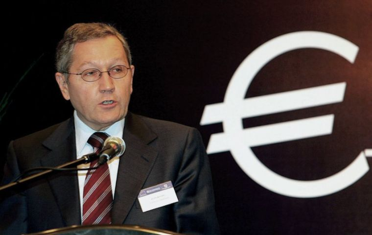 "EFSF chief executive Klaus Regling downplayed the lower rating ""by only one credit agency"""
