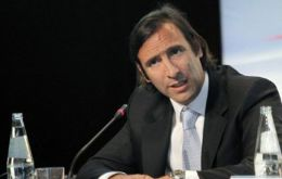 "Minister Lorenzino said the prevailing idea at the IMF-World Bank meeting is that it is a ""bilateral issue"""