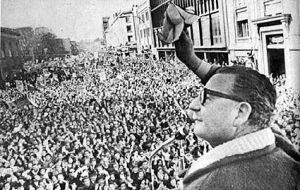 The first Socialist elected president of Chile, Salvador Allende, condemned by radicals and the military